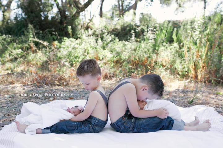 Sausalito-Outdoor-Newborn-Photography
